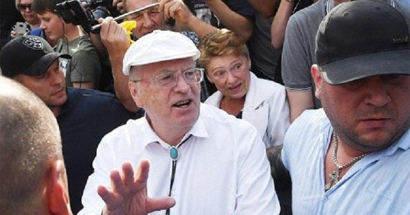 Жириновский вспомнил молодость - фото 1