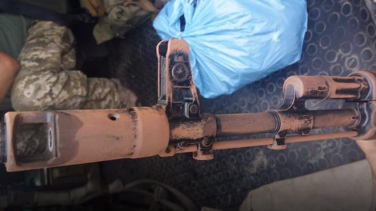 Автоматы украинских пограничников покрываются ржавчиной за сутки - фото 1