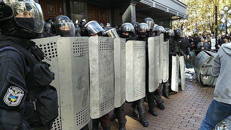 """Полиция усиленно расследует """"нападение"""" на журналистов Медведчука - фото 1"""