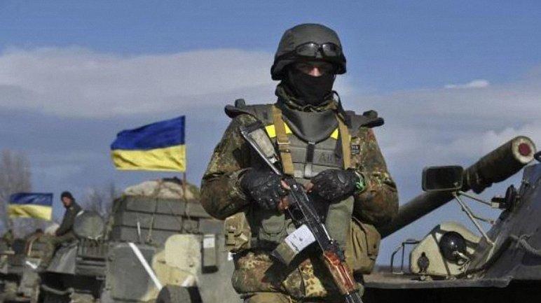 Российские оккупанты 25 раз открывали огонь по позициям наших войск - фото 1