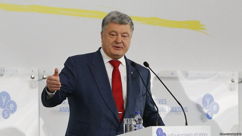 Петр Порошенко пояснил, для чего русские распространяют фейки о крушении МН17 - фото 1