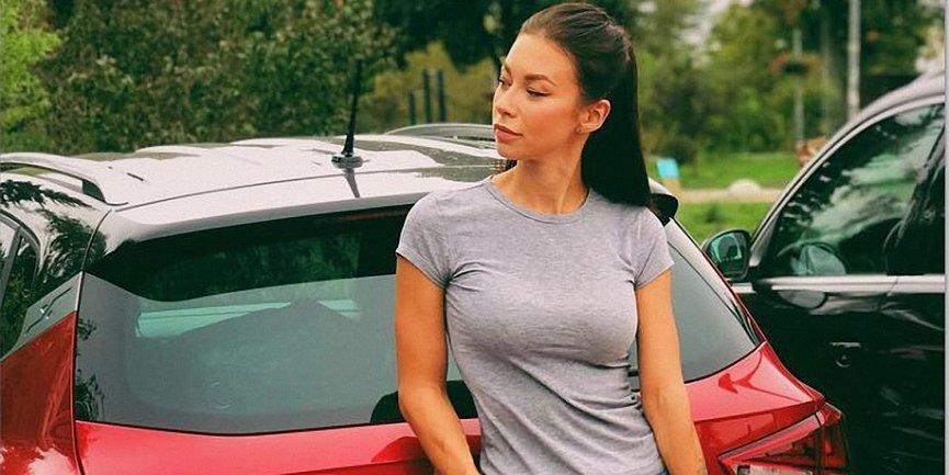 Полина Логунова впечатлила соблазнительной фигурой - фото 1