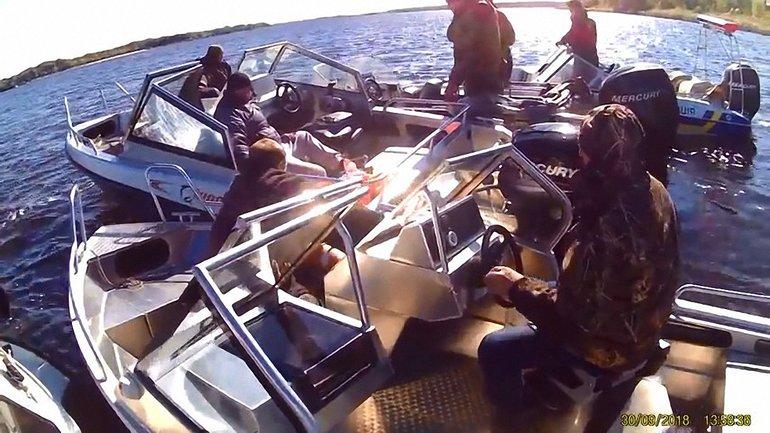 Люди, выпавшие из катера, были в состоянии алкогольного опьянения - фото 1