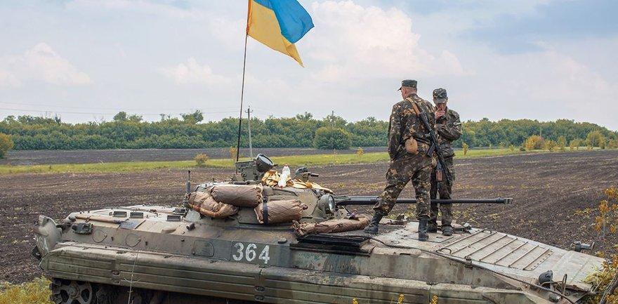 Российские оккупанты 21 раз открывали огонь по позициям наших войск - фото 1