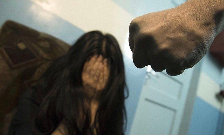 В Киевской области на свободу отпустили насильников 16-летней девушки - фото 1