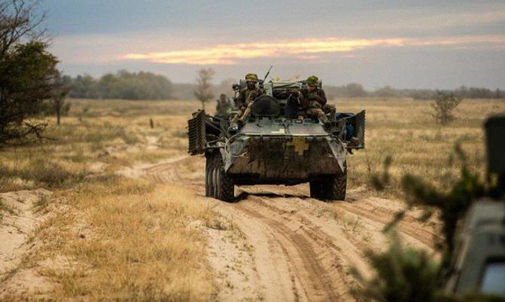 Украинских военных продолжили обстреливать и сегодня - фото 1