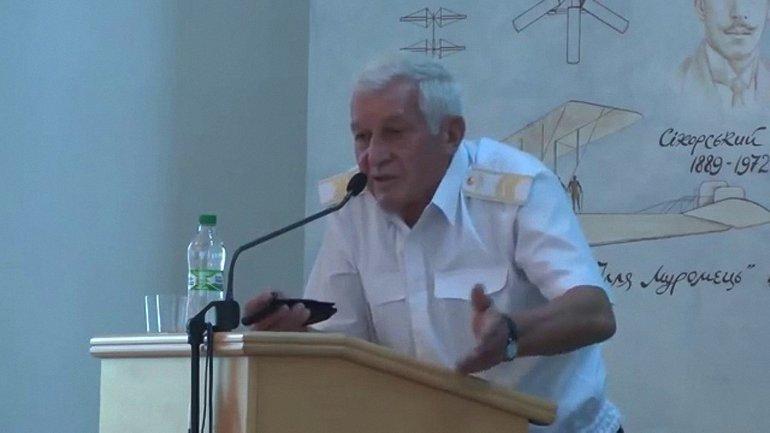 В 1994-1996 годах Шмаров был министром обороны Украины - фото 1