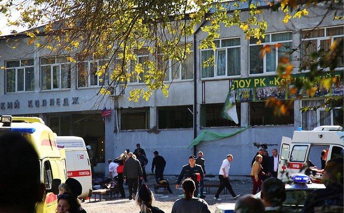 Теракт в Керчи: пострадавшие продолжают обращаться в больницы - фото 1