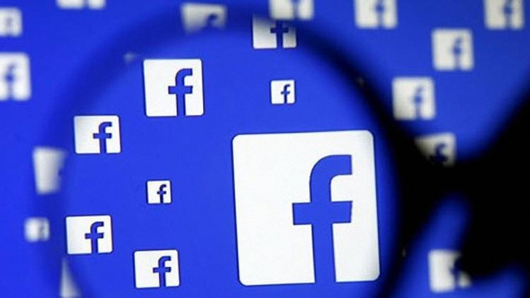 Facebook наказали на 500 тысяч фунтов - фото 1