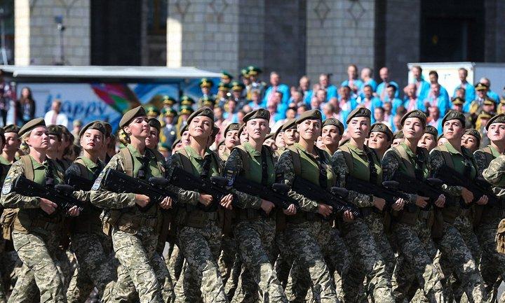 В Украине вступил в силу закон о равных правах женщин и мужчин в армии - фото 1