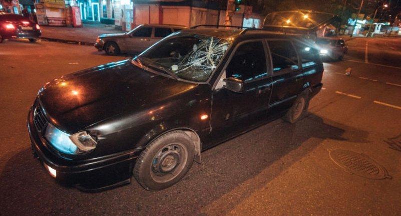 В Киеве на переходе сбили подростка - фото 1