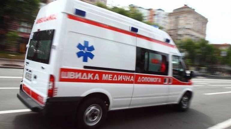 "В Черноморске неадекватный мужчина избил работников ""скорой"" - фото 1"