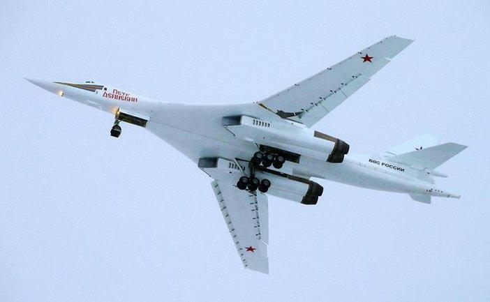 Российские Ту-160 перехватили над Норвежским морем - фото 1