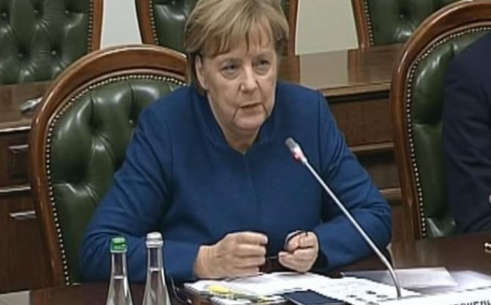 Меркель развалила популистов - фото 1