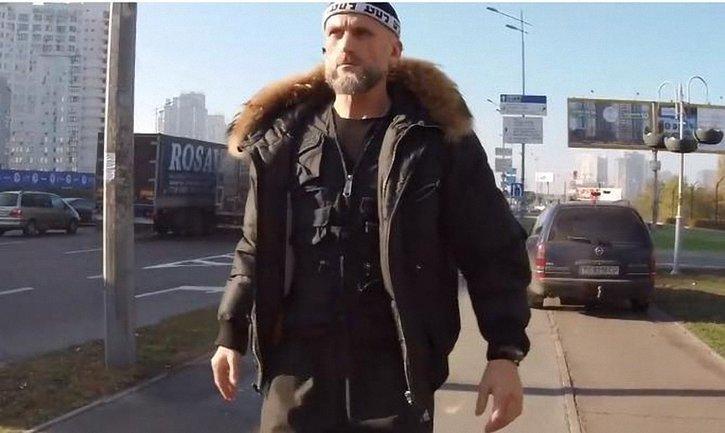 Священник Богдан Кунтий гоняет по тротуарам - фото 1