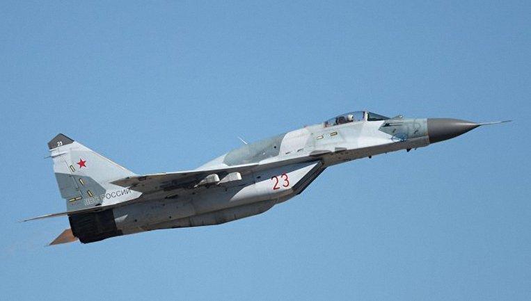 Россия стянула военную технику в Крым - фото 1