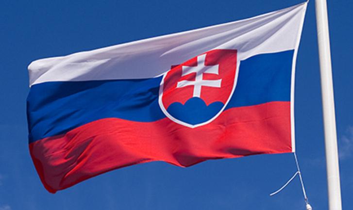 Власти Словакии жалеют, что не изгнали русских шпионов в марте - фото 1