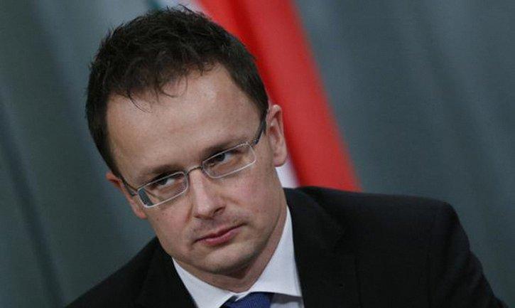 Венгрия заявляет, что не будет выдавать паспорта в своих консульствах в Украине - фото 1