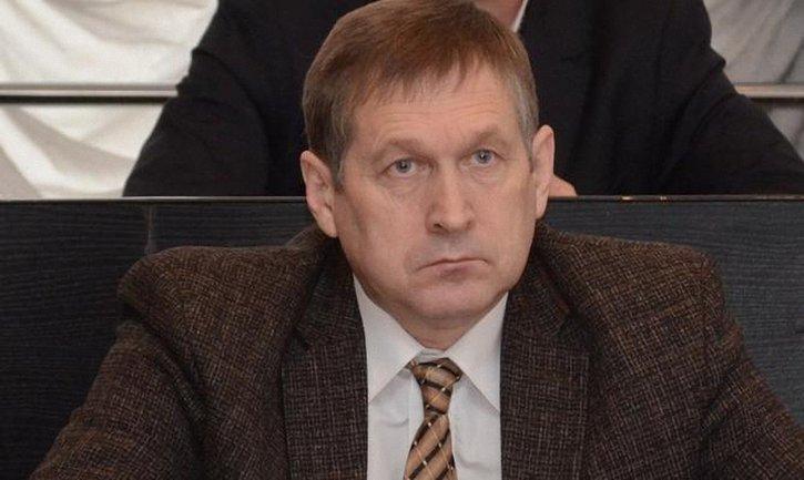 Депутат Мельник знает, как должен выглядеть детский утренник - фото 1