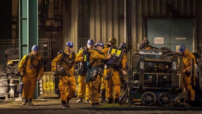 В результате взрыва на шахте лишились жизней 13 человек  - фото 1