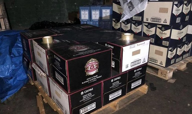 Под Киевом обнаружили склад с поддельным элитным алкоголем - фото 1