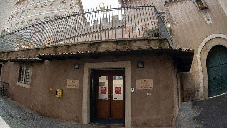 Папа Римский подарил бездомным больницу - фото 1