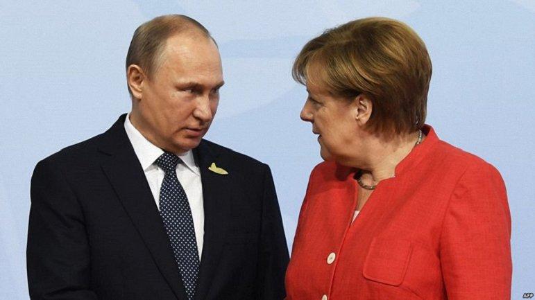Меркел обсудила с Путиным ситуацию в Керченском проливе - фото 1