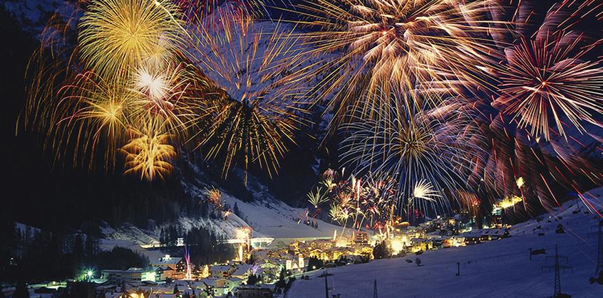 Крымчан призывают встретить Новый год по киевскому времени - фото 1