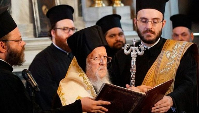 В Стамбуле подписали Томос для украинской церкви - фото 1