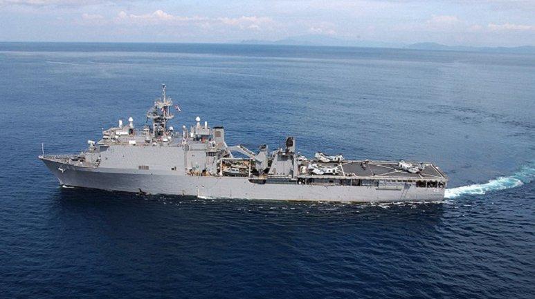 USS FortMcHenry отправили в Черное море - фото 1