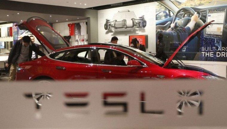 Tesla снизит цены на свои авто - фото 1