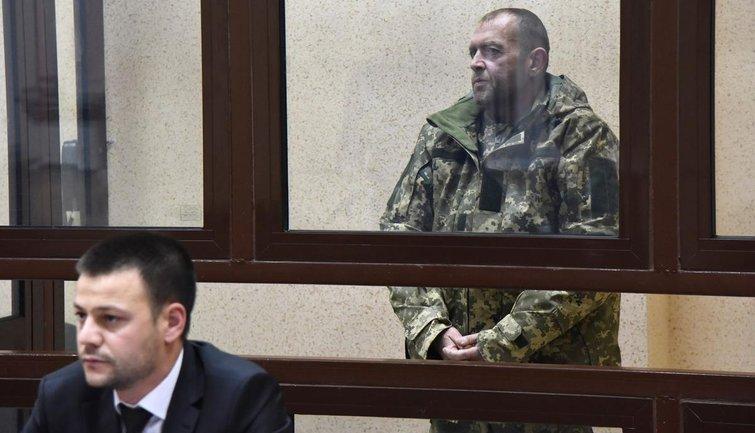 Плененным украинским морякам запрещают даже созваниваться с родными - фото 1