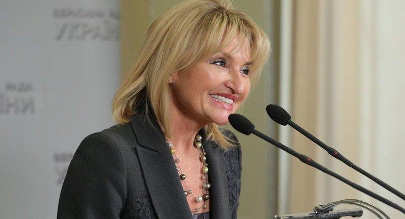 Ирина Луценко не понимает, что украинскому политику неуместно облачаться в дорогущую одежду - фото 1