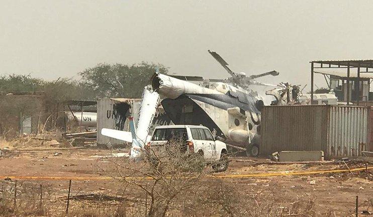 В Африке разбился военный вертолет с 23 людьми на борту - фото 1