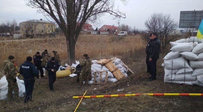 Возле Днепра засланные украинцы создали личный блокпост - фото 1