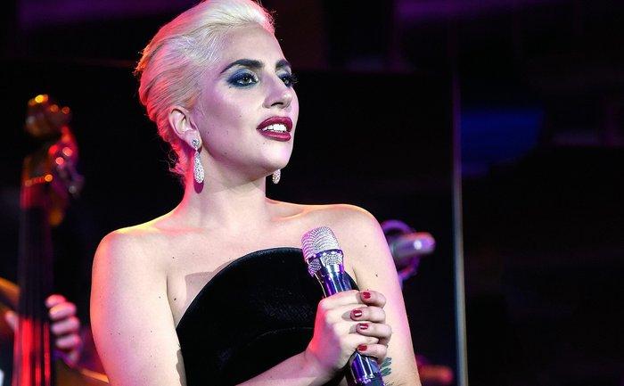 Леди Гага увековечила свой дебют в кино - фото 1