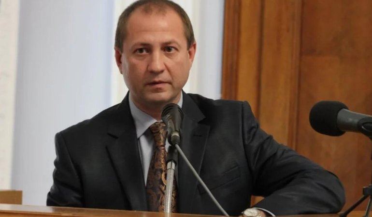 У обычного чиновника Юрия Степанца нашли сотни тысяч гривен - фото 1