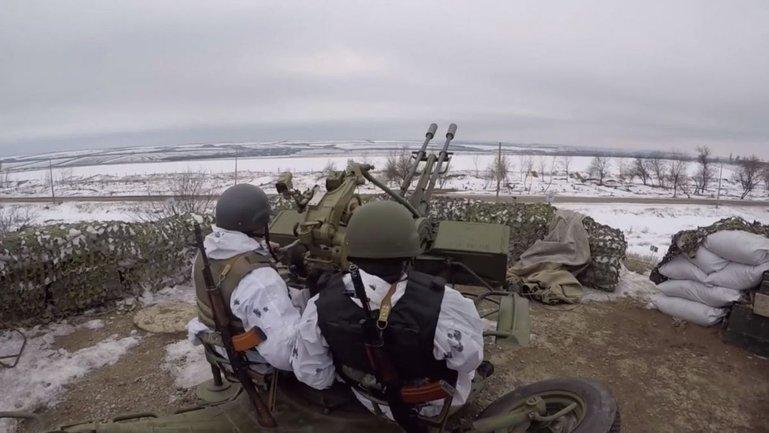 На Донбассе погиб один украинский военный, еще один — ранен - фото 1