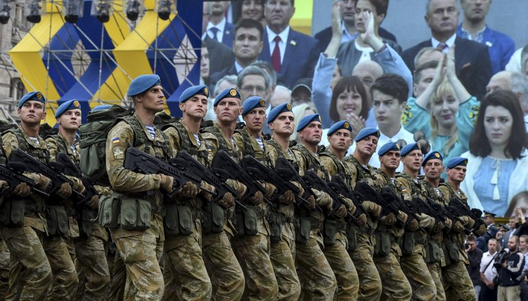 Украинским военным увеличат зарплату - фото 1