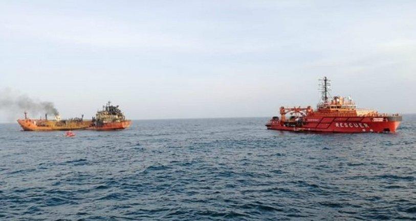 На танкере Маэстро в Керченском проливе потушили пожар - фото 1