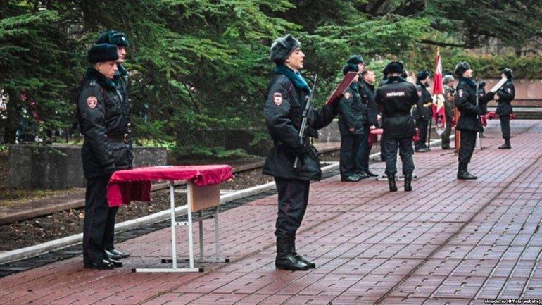 Террористы наказывают крымчан за нежелание служить в оккупационных войсках - фото 1