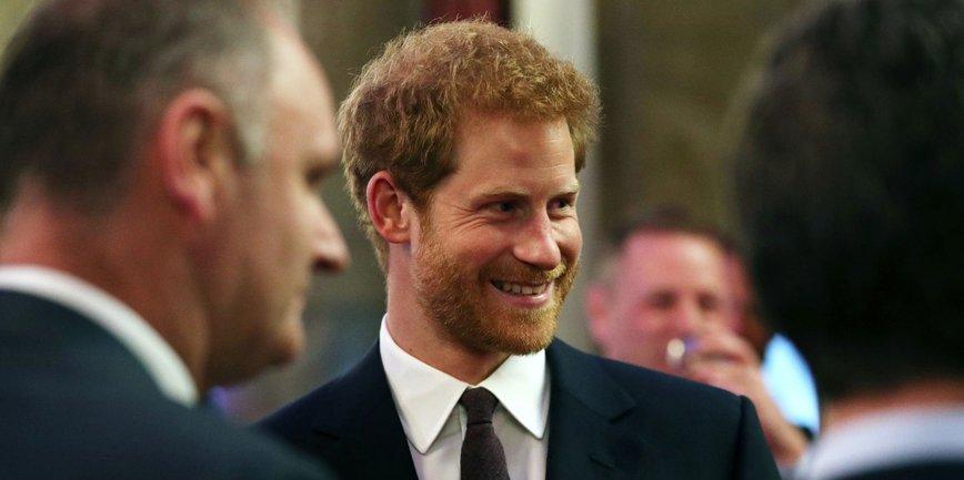 Принц Гарри избегает бывших, но судьба решила иначе - фото 1