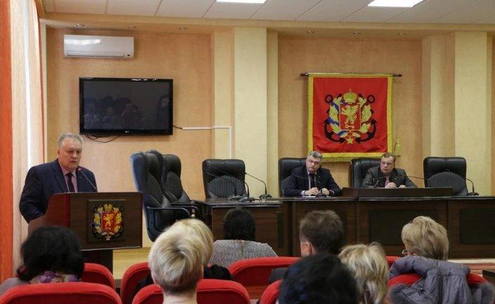 """""""Депутаты"""" из Керчи решили возвести ограды вокруг каждой школы  - фото 1"""