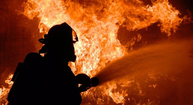 В Донецке взорвалась квартира в жилом доме - фото 1