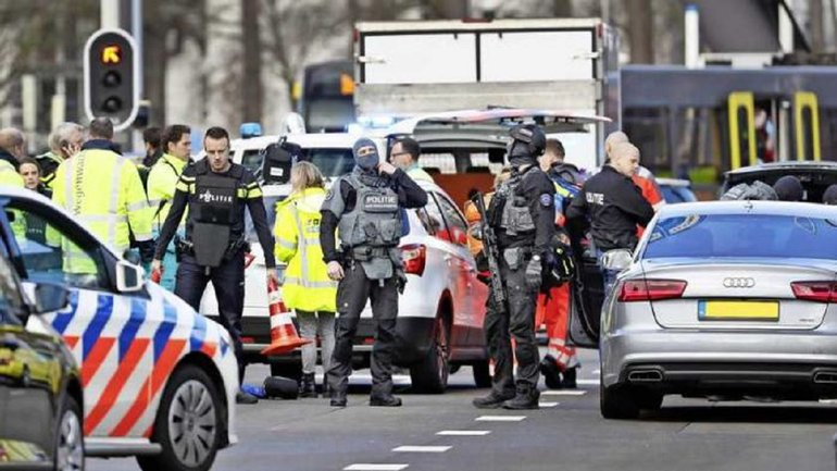 Террорист устроил стрельбу в Голландии - фото 1