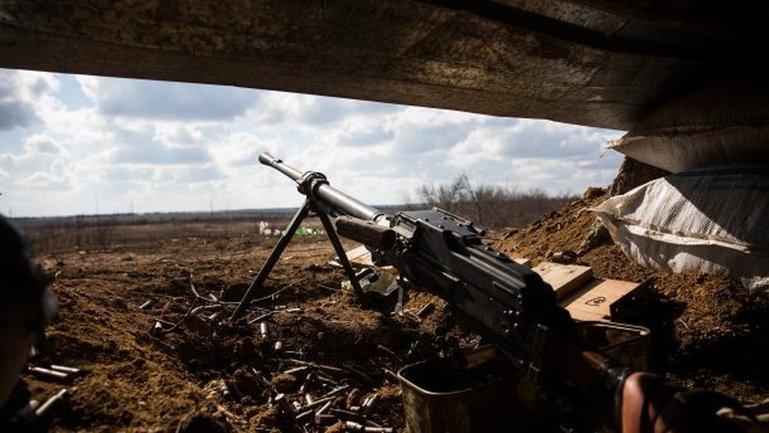 Обстрелы на Донбассе не прекращаются - фото 1
