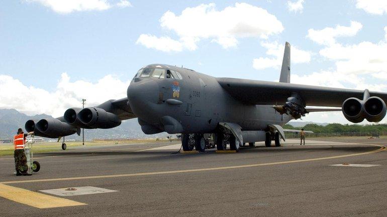 Над Европой летают шесть американских бомбардировщиков, способных нести ядерное оружие - фото 1