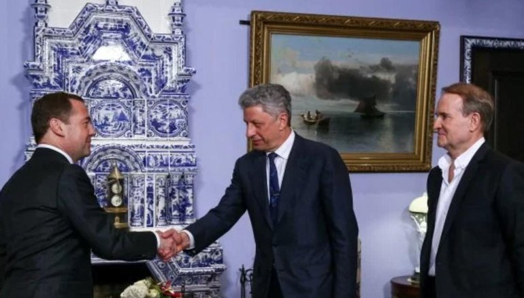 Никто не хочет видеть Медведчука и Бойко в Украине - фото 1