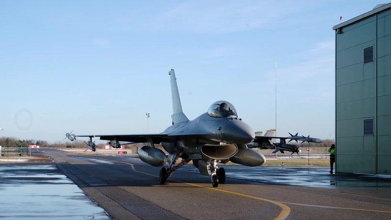 Двое сотрудников авиабазы НАТО в Литве сливали информацию Россие - фото 1