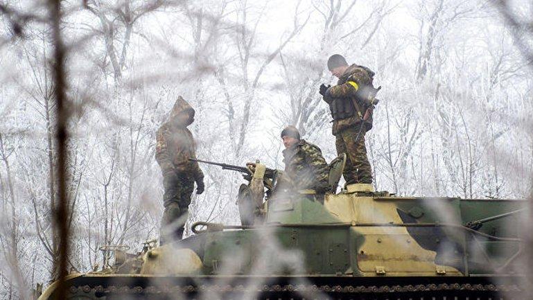 Украинским военным пришлось отвечать боевикам огнем на поражение - фото 1